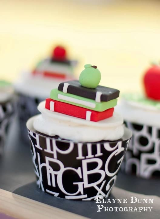 Stack of Books cupcake