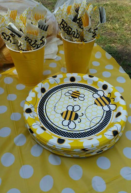 Bee Theme Plates And Utensil Wraps Mbf