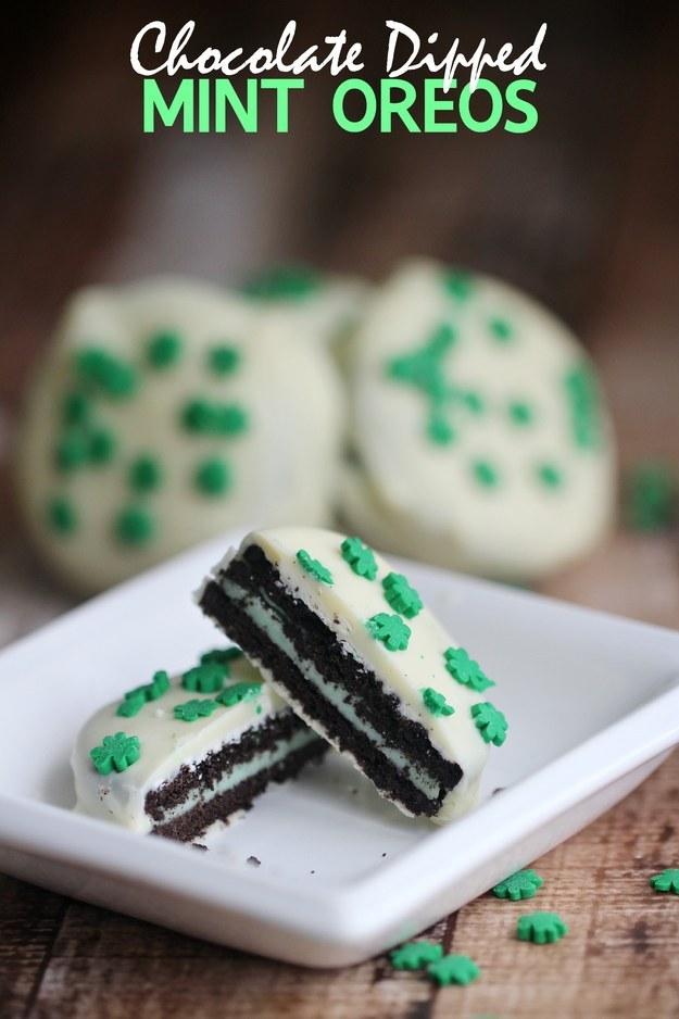 St Patricks chocolate dipped mint oreos